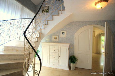 Großzügiges Wohnen mit zwei sep. Appartement/Büro´s, 63619 Bad Orb, Einfamilienhaus