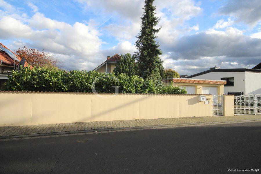 Haus zur Miete in Hasselroth - Straßenansicht
