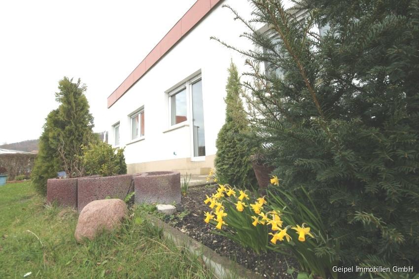 auf einer Ebene mit Terrasse und Mini-Garten - Ansicht