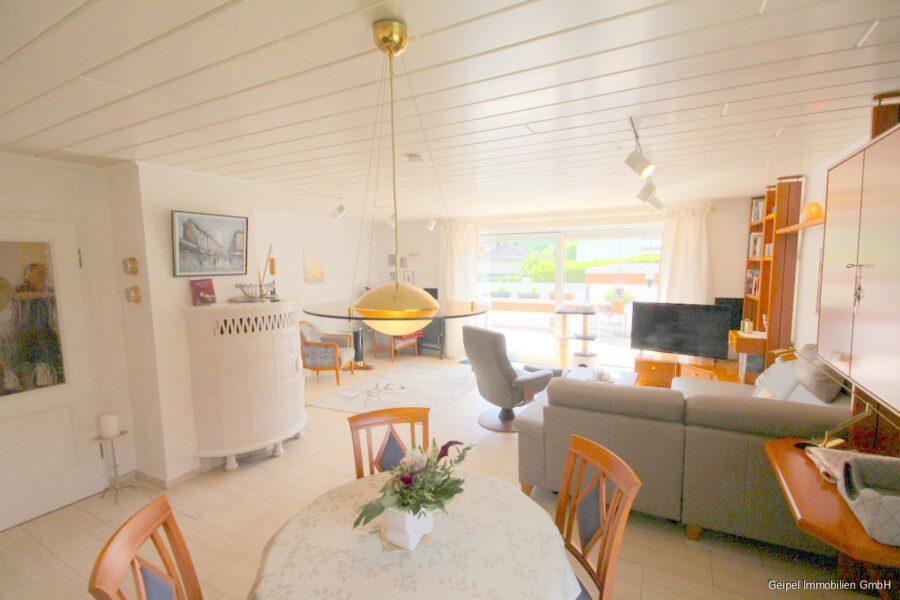 VERKAUFT Großes Einfamilienhaus ! - EG - Wohnzimmer mit Terrassenzugang