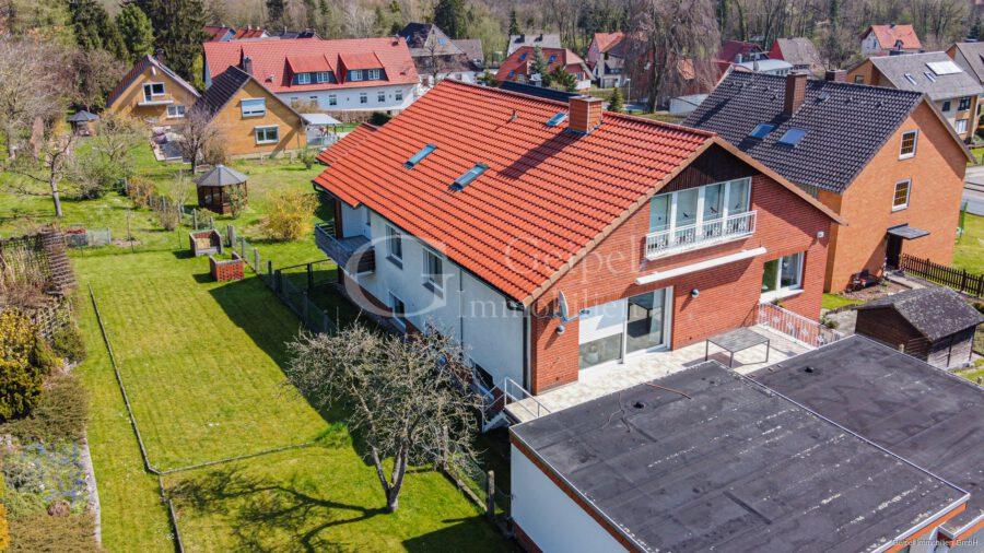 VERKAUFT Großes Einfamilienhaus ! - Front-links