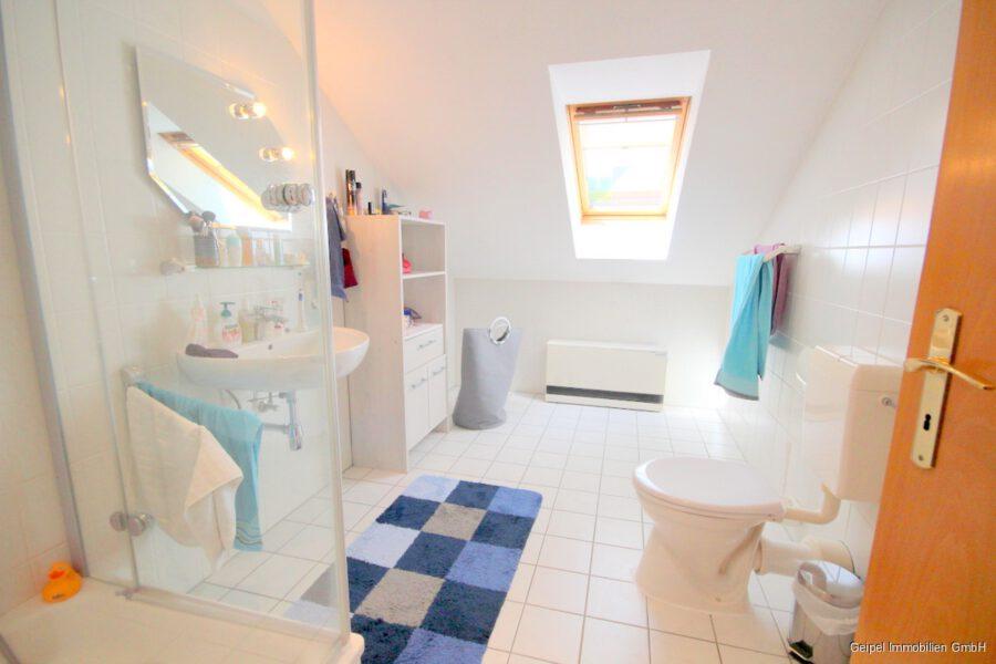 VERKAUFT Großes Einfamilienhaus ! - DG - Bad mit Dusche