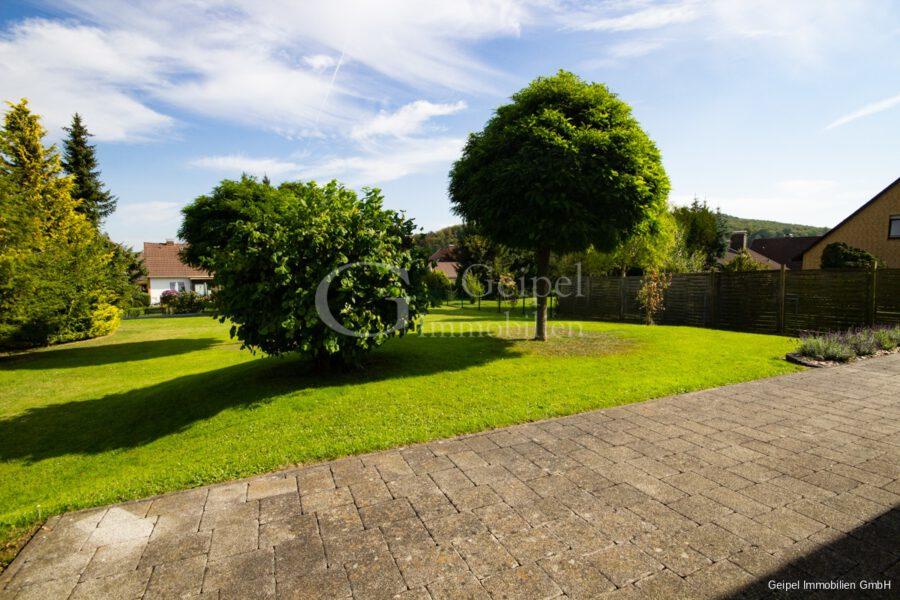 VERMIETET Einfamilienhaus mit Garten und Carport - Terrasse und Garten