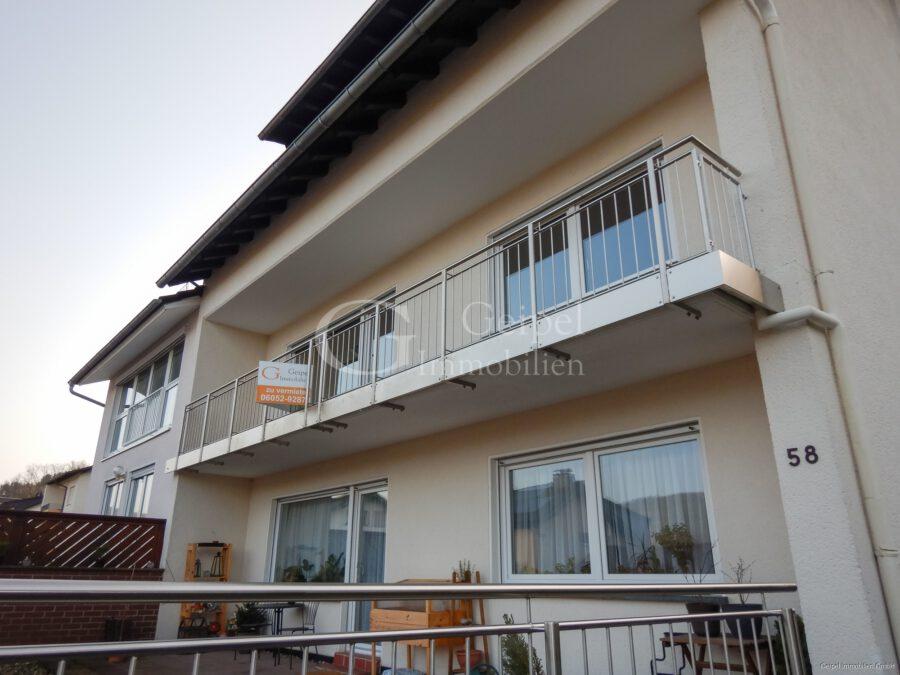 VERMIETET Terrassenwohnung mit Balkon - Balkon Front