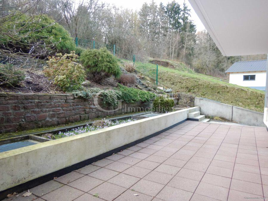 VERMIETET Terrassenwohnung mit Balkon - Terrasse