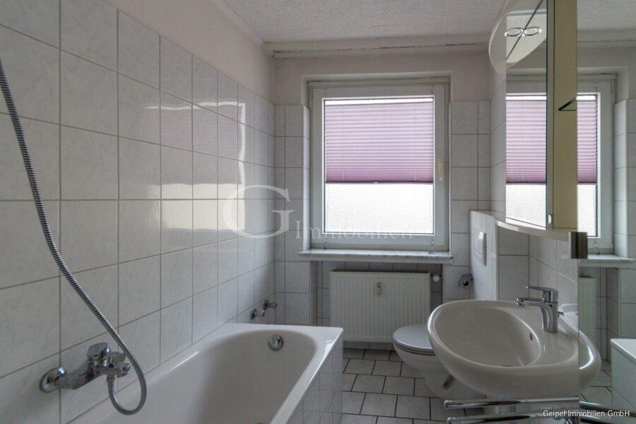 VERMIETET Hübsch, klein, überschaubar, mit Einbauküche - Bad