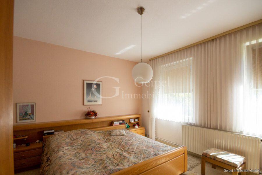 VERMIETET Wohnung mit Treppenlifter - OG - Schlafzimmer