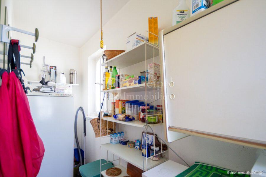 VERMIETET Wohnung mit Treppenlifter - OG - Speisekammer