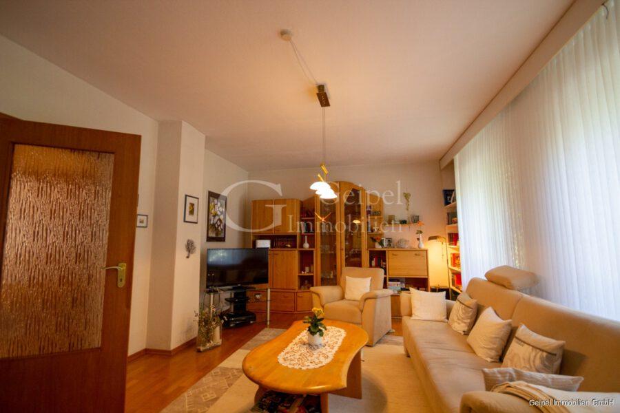 VERMIETET Wohnung mit Treppenlifter - OG - Wohnzimmer