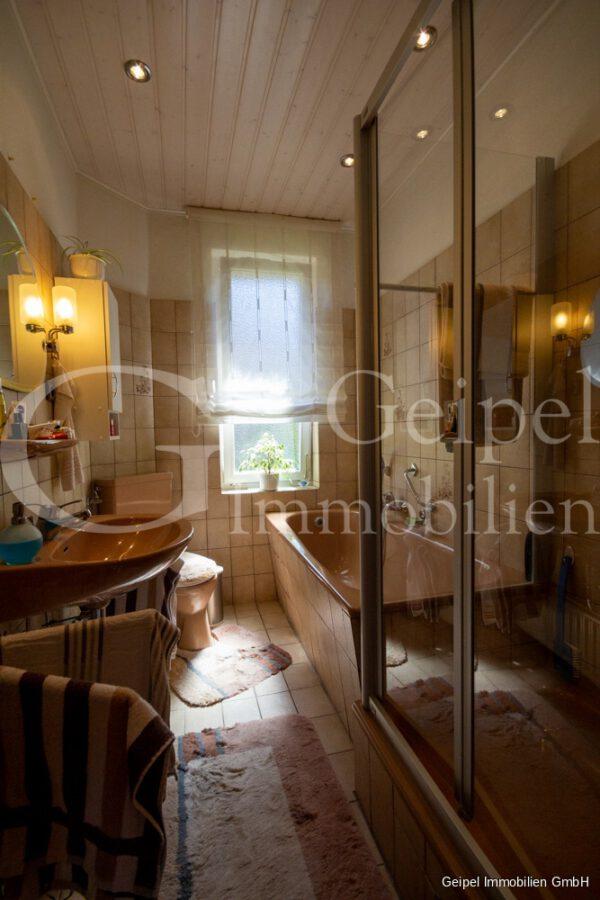 VERMIETET Wohnung mit Treppenlifter - OG - Bad
