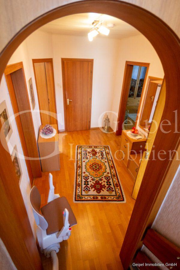 VERMIETET Wohnung mit Treppenlifter - OG - Diele