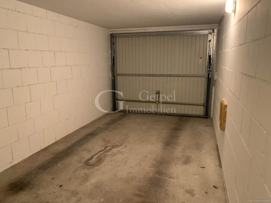 VERMIETET Neuer Fußboden - neues Bad - Garage