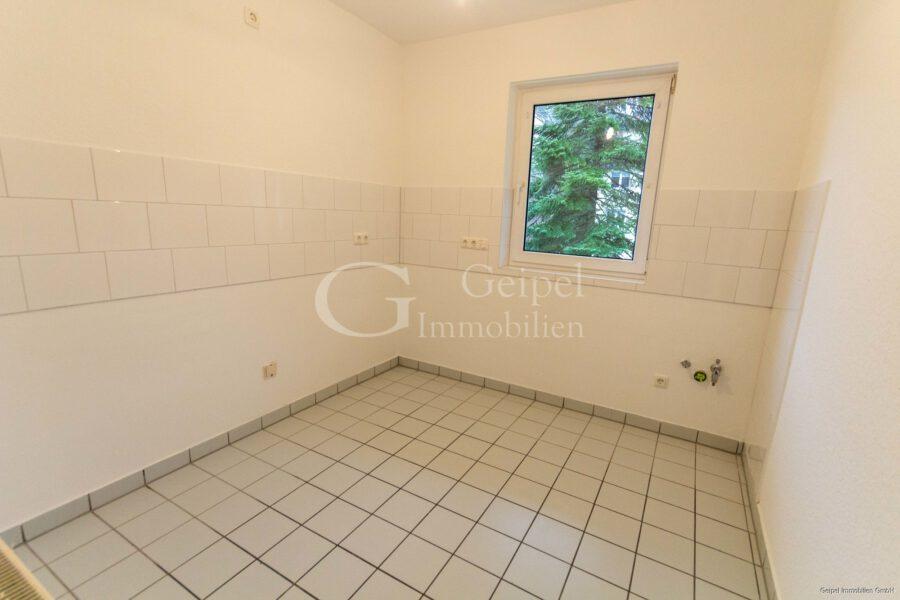 VERMIETET Neuer Fußboden - neues Bad - Küche Bild 1