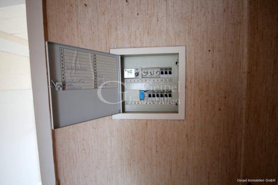 VERKAUFT Günstige Wohnung, Renovierung erforderlich - Stromverteilung in der Wohnung