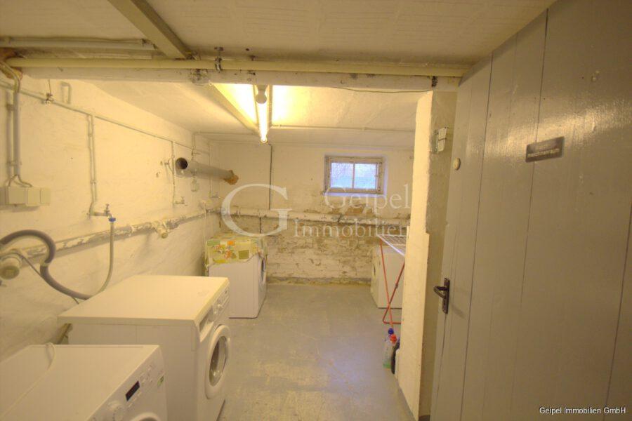 VERKAUFT Günstige Wohnung, Renovierung erforderlich - Waschküche