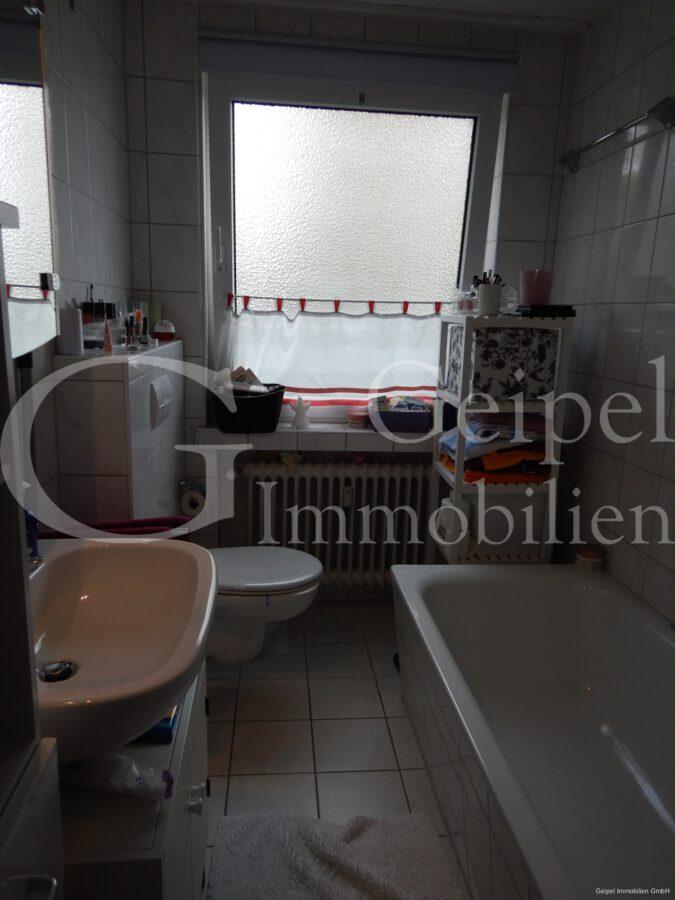 VERMIETET mit Einbauküche - Bad