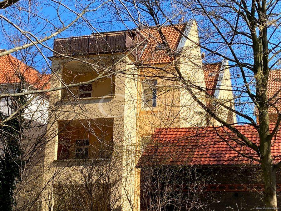 VERMIETET Wohnen in alter Villa - Rückansicht
