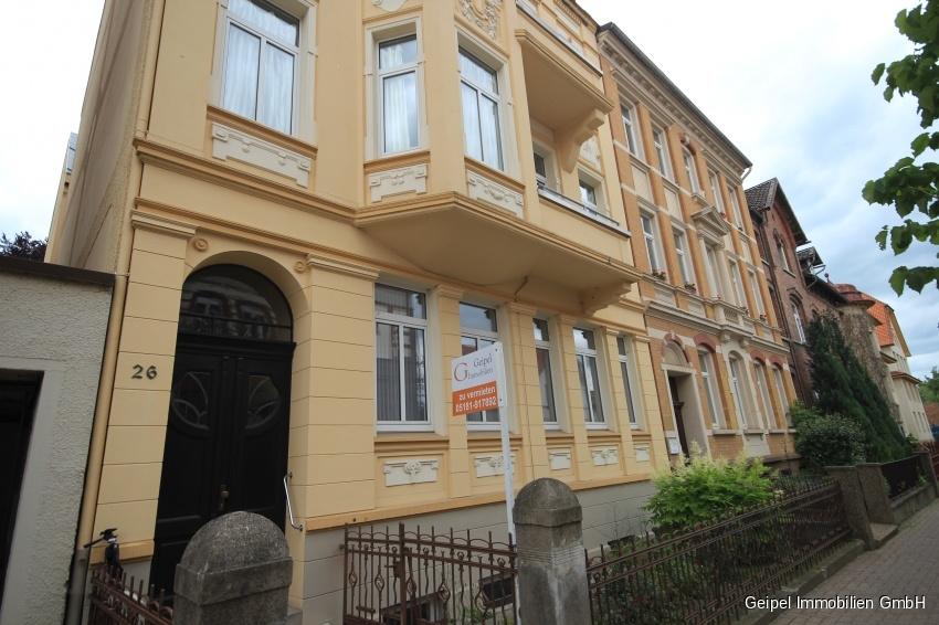 VERMIETET Wohnen in alter Villa - Vorderansicht