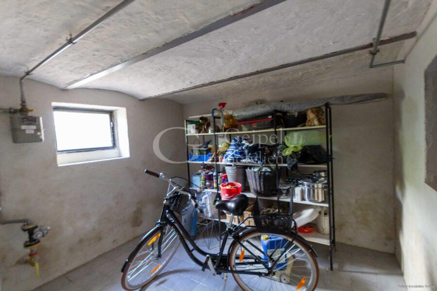 Ruckzuck in der Stadt - ohne Gartenarbeit - Keller 1