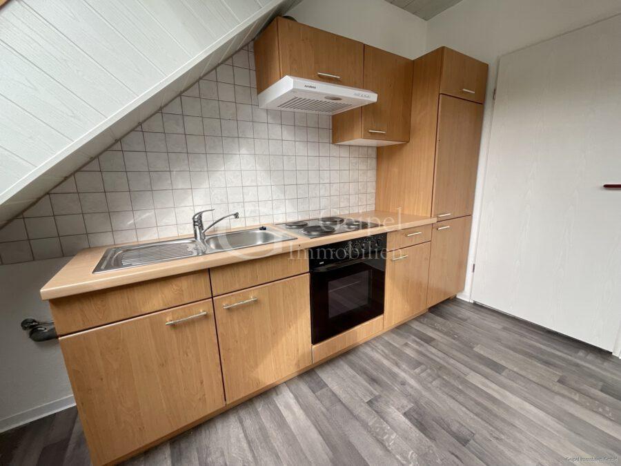 VERMIETET Dachgeschoss mit Fahrstuhl & Einbauküche - Einbauküche