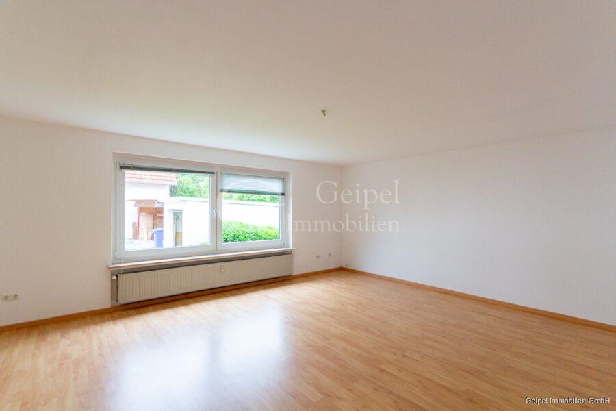 hochwertige Erdgeschosswohnung mit Terrasse - Wohnzimmer