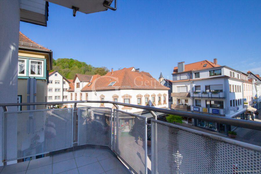 VERMIETET Balkon, Fahrstuhl, Innenstadt - Blick vom Balkon