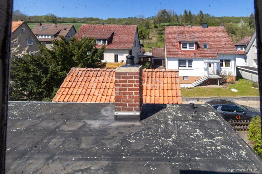 VERKAUFT 1-2 Familienhaus - neue Heizung - Flachdach Anbau