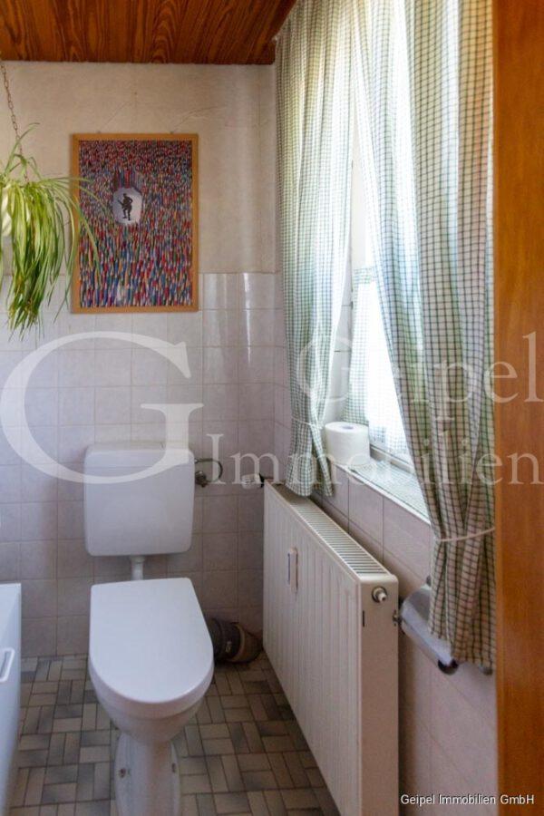 VERKAUFT 1-2 Familienhaus - neue Heizung - OG - Gäste WC