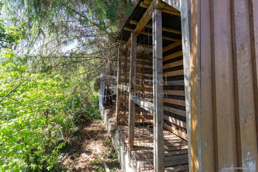 VERKAUFT 1-2 Familienhaus - neue Heizung - Gartenhütte Rückseite