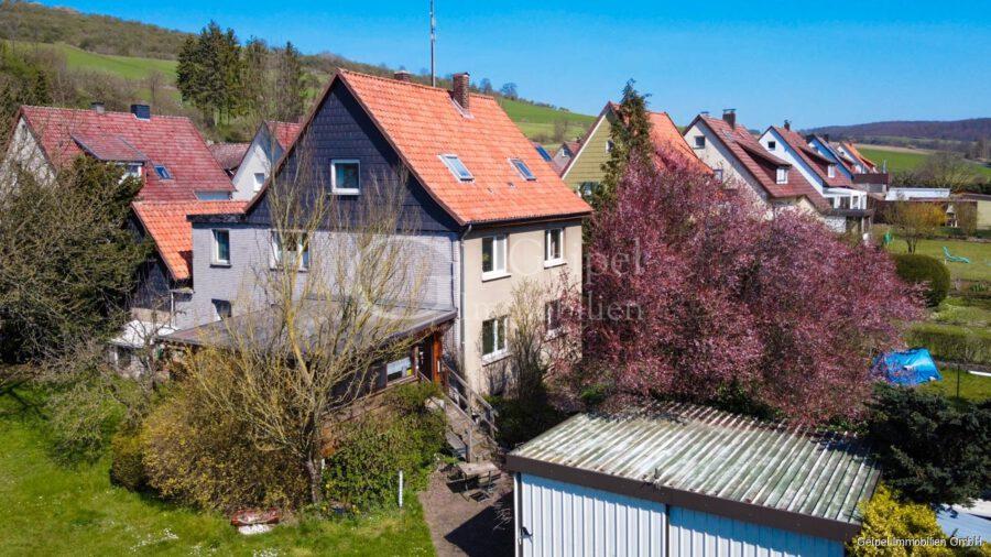 VERKAUFT 1-2 Familienhaus - neue Heizung - Seitenansicht -Luftbild-
