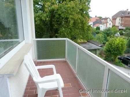 VERMIETET Mittendrin und trotzdem ruhig! mit Balkon und Einbauküche - Balkon